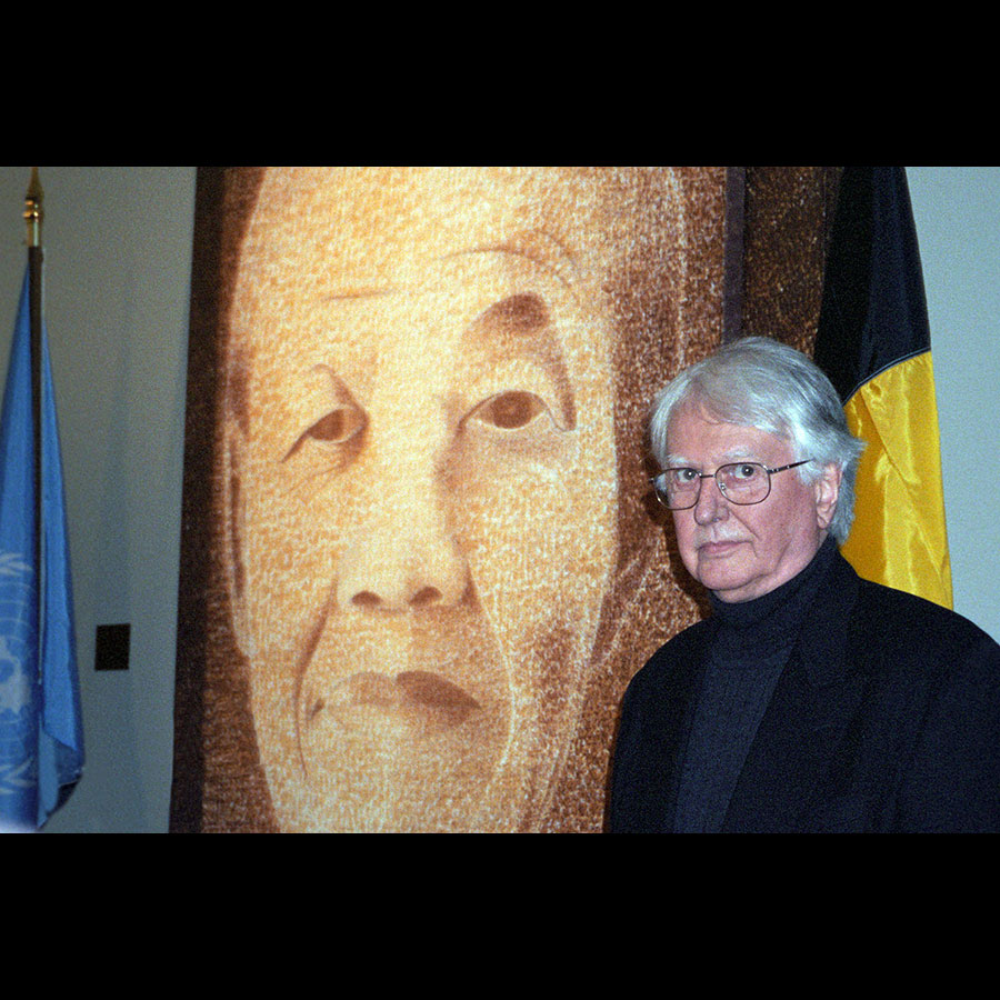 mandela portrait united nations beekman